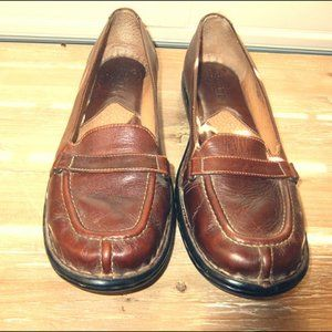 BORN HANDCRAFTED WOMENS BROWN LEATHER LOAFERS 8.5M